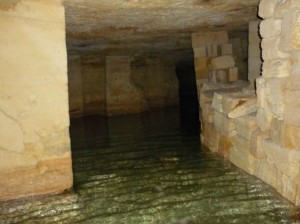 ekskursiya-v-dikie-katakombi-moldavanki-odessa