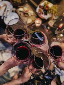 дегустация вина из бокала
