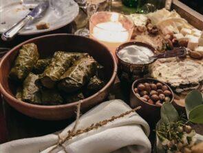 Крафтовые вина и болгарская кухня.